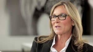 Angela Ahrendts has a signature kind of look. By that, I mean to say her look is consistent. She wears eye glasses, and wears the same pair. She doesn't change the color or style of her hair very much at all. While her wardrobe choices are not uniform, they are fairly consistent as well. This all adds up to an appearance that says she has defined her values, and that you can count on her.