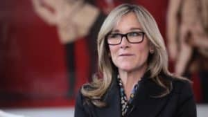Jackets are an obvious wardrobe essential for Angela Ahrendts. But you must also take note of how she uses them, the color choices, and the contrast that is created between the jacket colors and her personal coloring. This makes a strong visual statement. As an onlooker, you can't help but be captivated by her appearance.